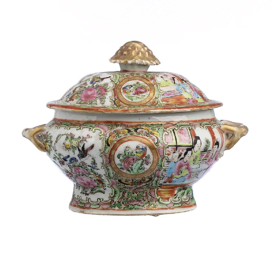 Chinese Porcelain miniature terrine, Mandarim