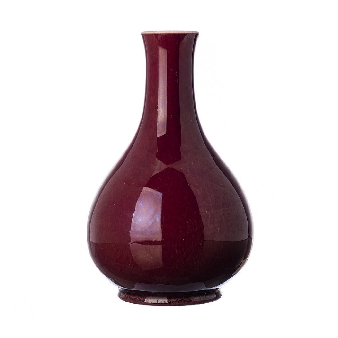 Sang-de-boeuf' vase in Chinese porcelain