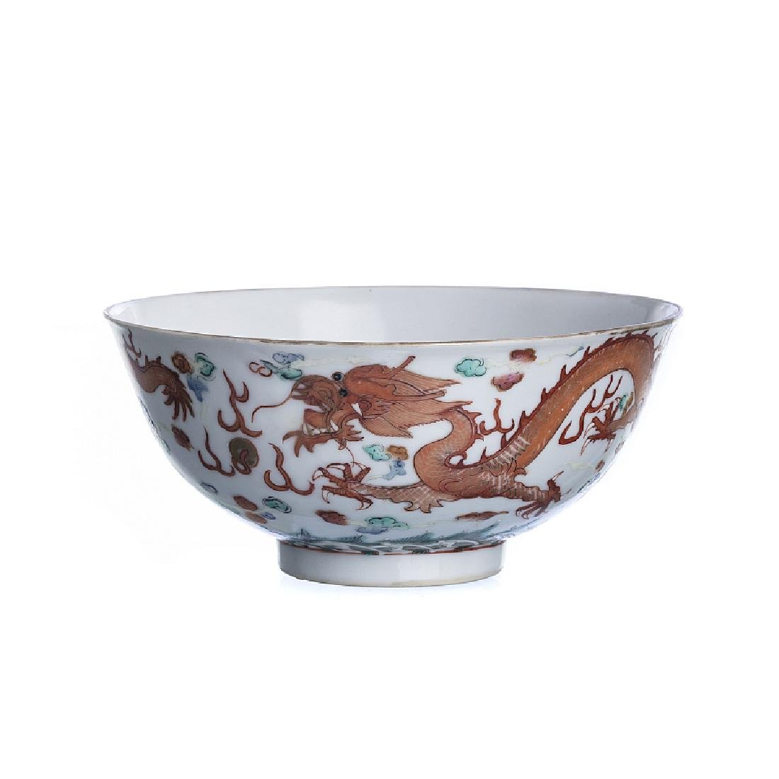 'Dragon' bowl in Chinese porcelain