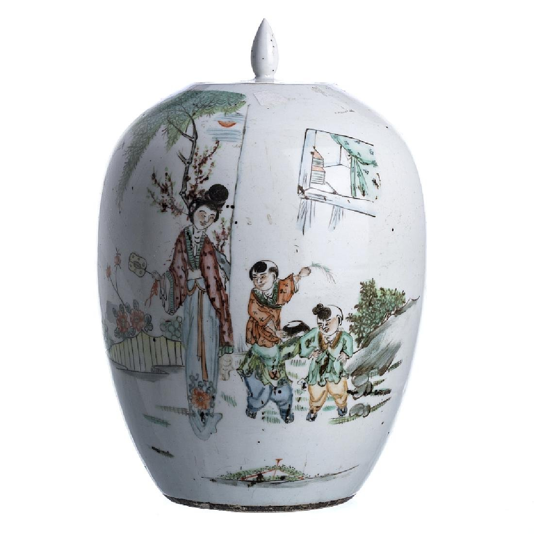 Pot with lid 'figures' in Chinese porcelain