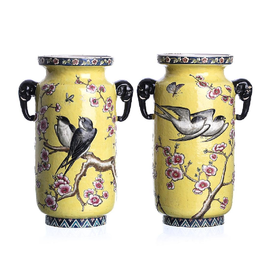 Pair of vases 'birds among flowers'