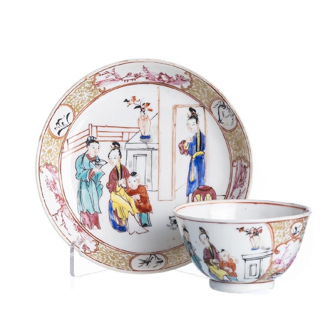 Teacup and saucer 'Mandarim', Qianlong