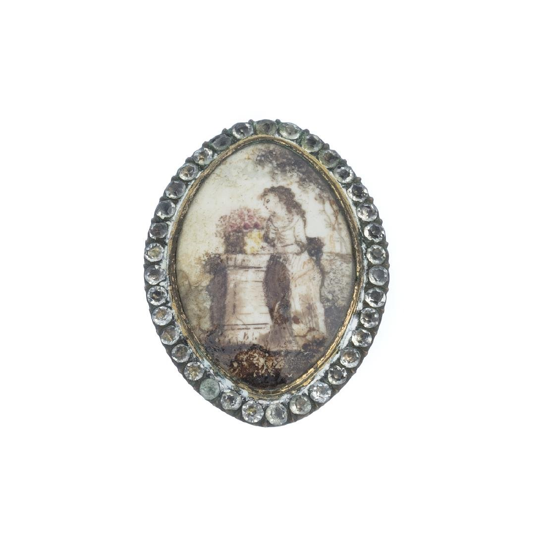 Silver brooch with glasses, 19thC