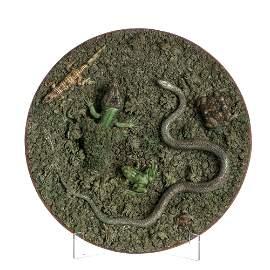 Large 'moss' faience plate by Rafael Bordalo Pinheiro