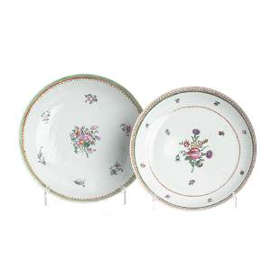 Pair of Chinese export porcelain bowls, Qianlong