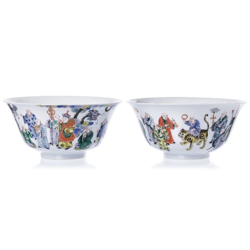 Pair of bowls with 18 Lohan in porcelain, Guangxu