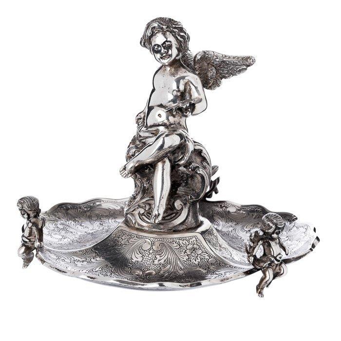 Cherub' ring holder in silver