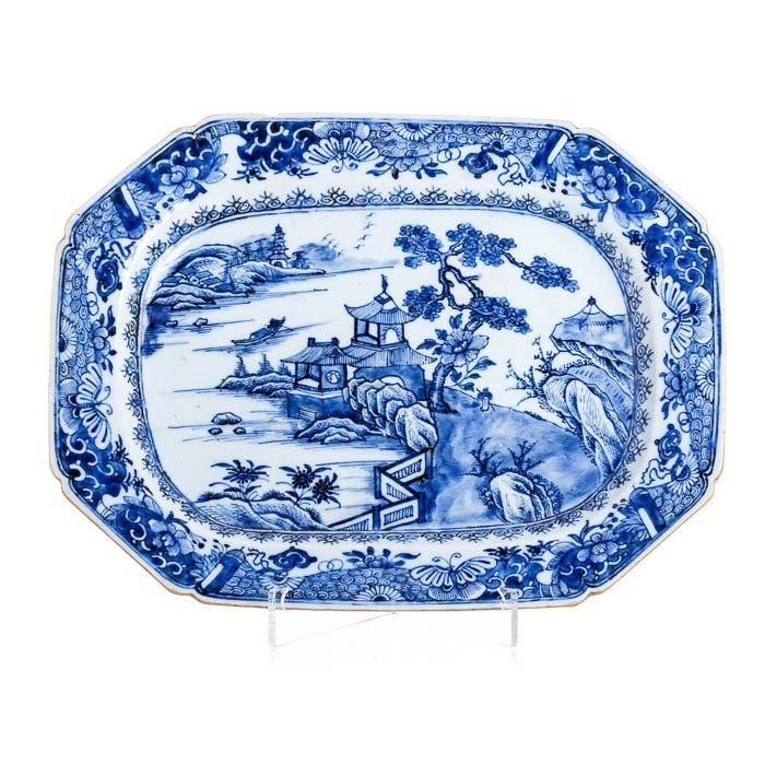 Long plate in Chinese porcelain, Qianlong