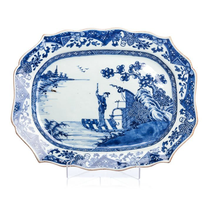 Long lobed plate in Chinese porcelain, Canton
