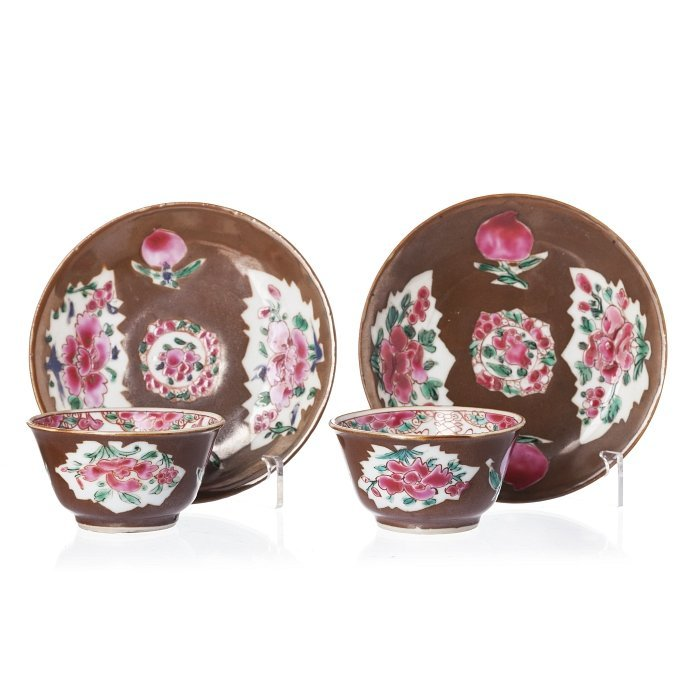 Pair of chocolate cups and saucers in Chinese