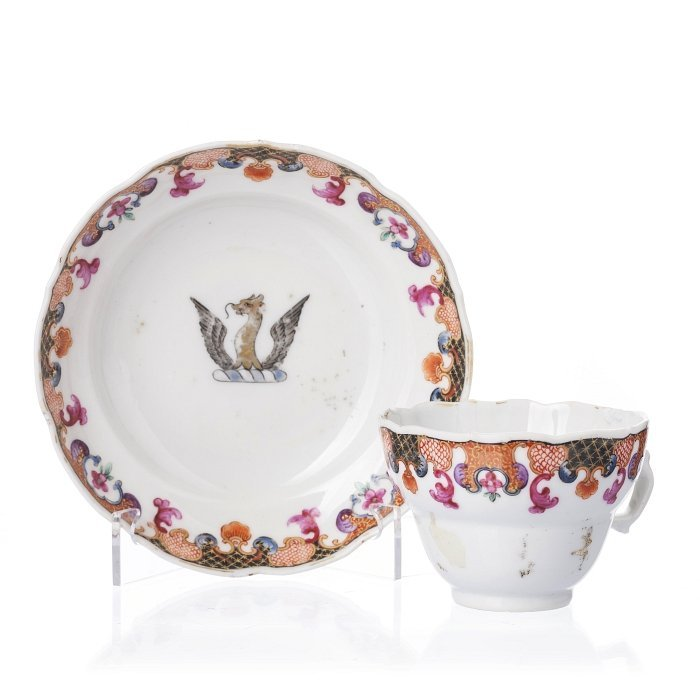 Tea cup and saucer in Chinese porcelain, Qianlong