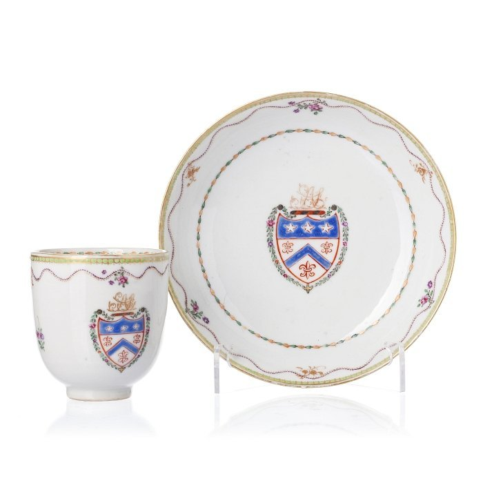Cup and saucer with coat of arms in Chinese porcelain