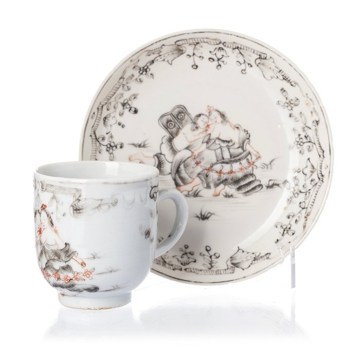 Cup and saucer 'Zephir and Flora' in Chinese porcelain,