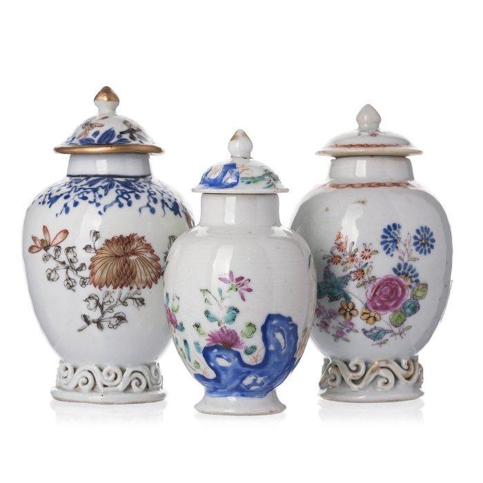 Three tea caddies in Chinese porcelain, Qianlong