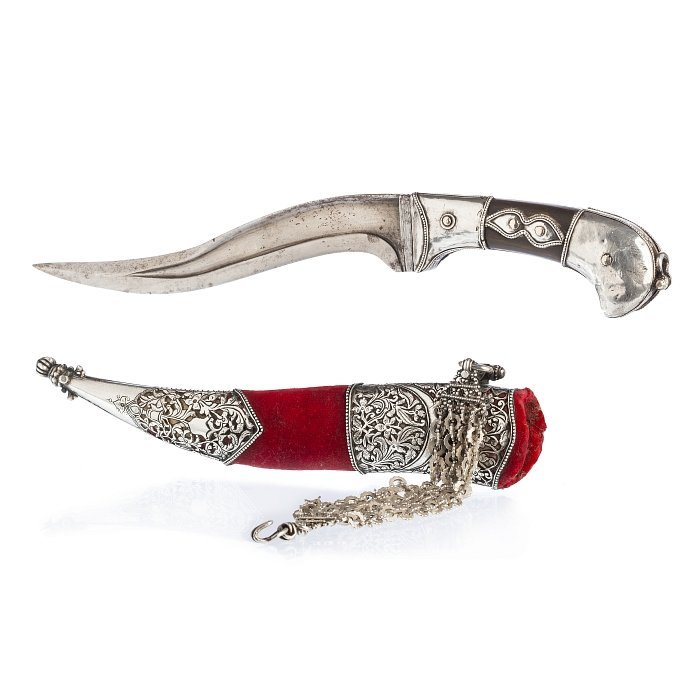 Pesh-Kabs knife with grip in horn and silver