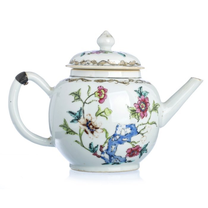 Large Chinese Porcelain Famille Rose Teapot, Qianlong