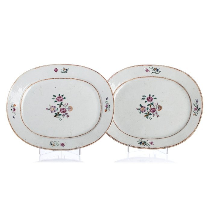Pair of long plates in Chinese export porcelain,