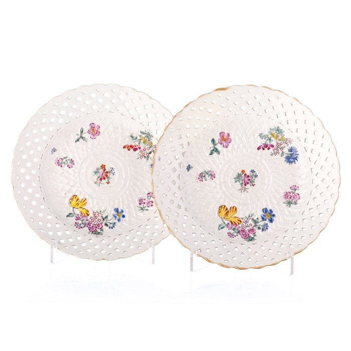 Pair of 'Meissen' plates in Chinese porcelain, Qianlong