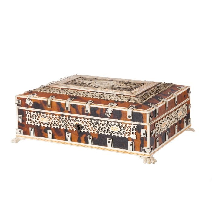 Large Anglo-Indian box in tortoise and ivory