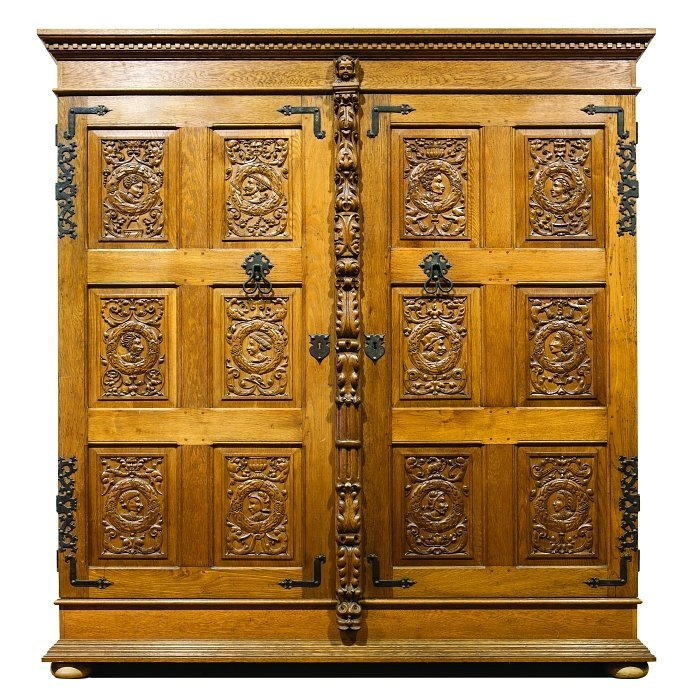 Large Dutch cabinet in carved wood, Neo Renaissance