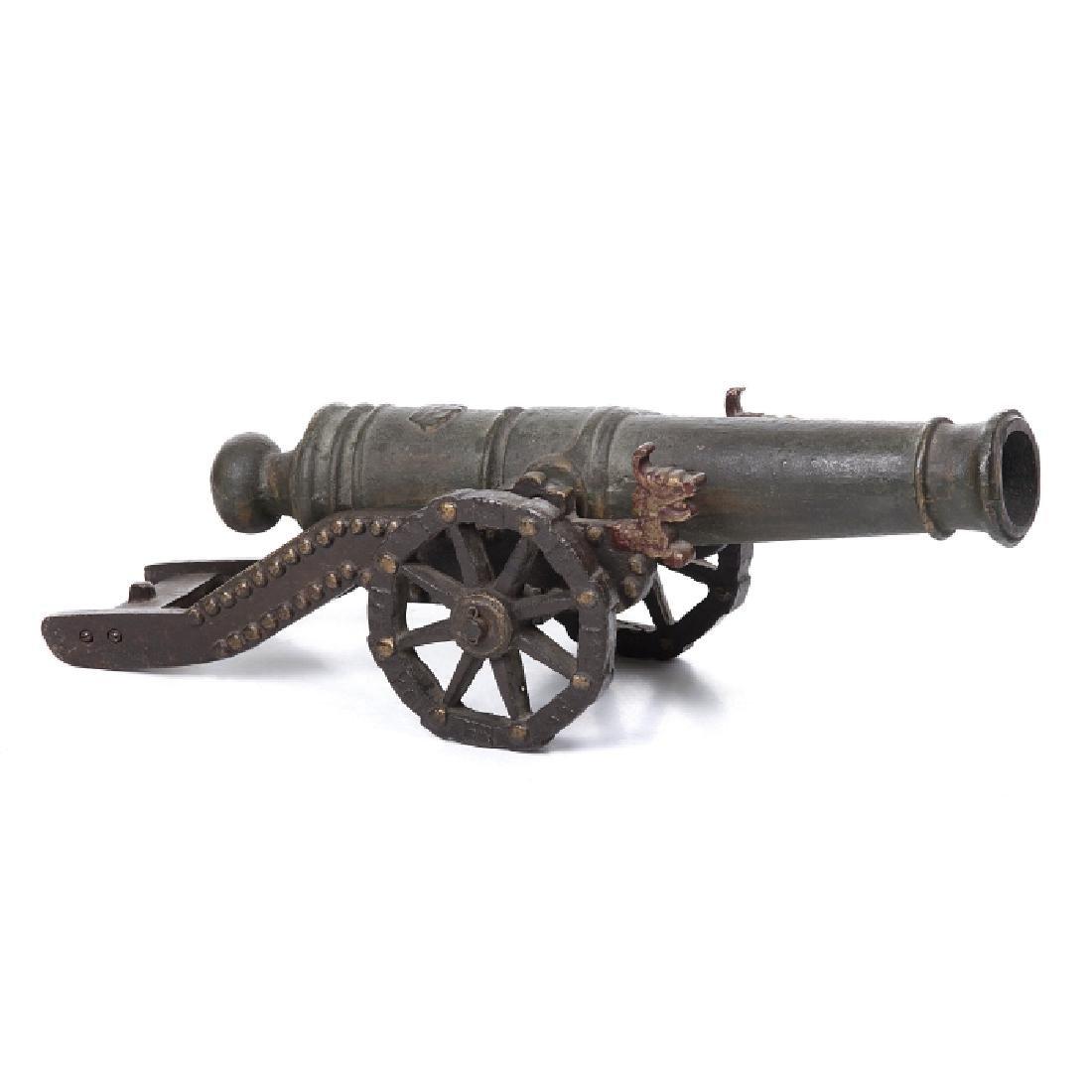 Decorative cannon in bronze