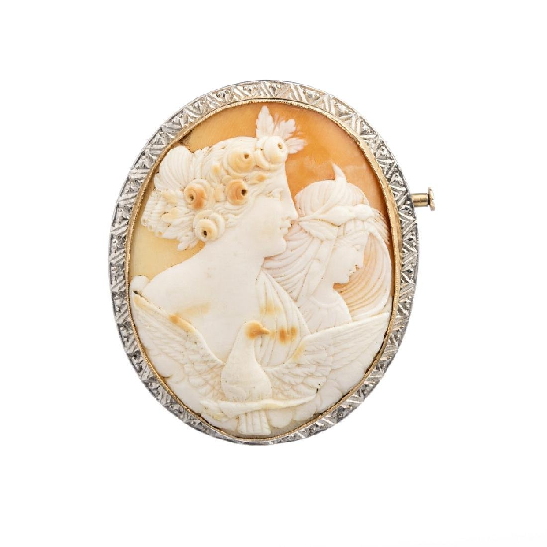 Brooch with shell cameo with figures