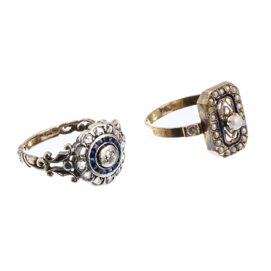 Set of two rings in silver and gold with sapphires,