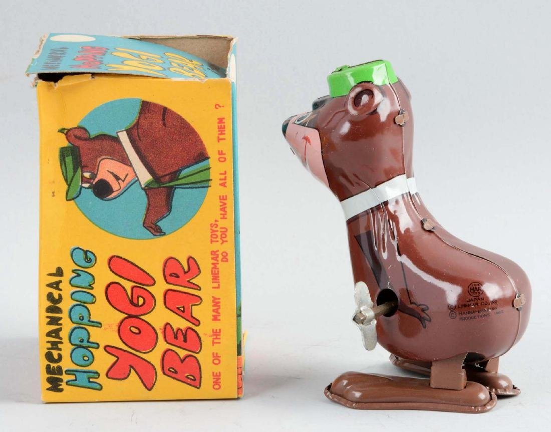 Marx Tin Litho Wind-Up Yogi Bear Hopping Toy. - 2