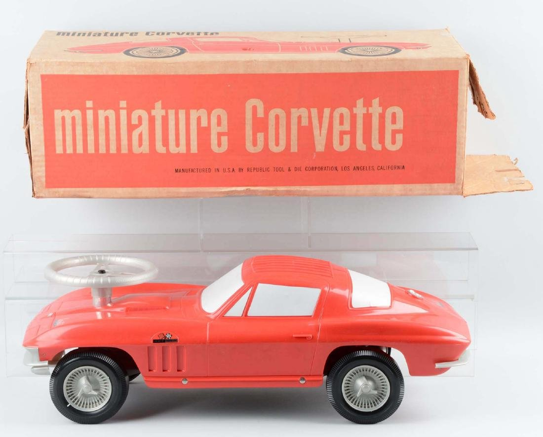 Rare Plastic Corvette Promotional Automobile. - 2