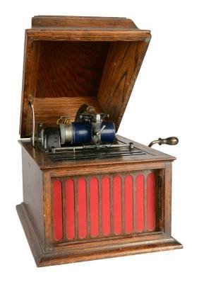 Edison Amberola 30 Cylinder Phonograph.