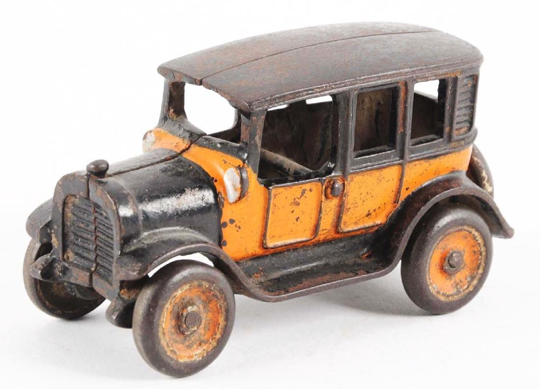 Small Arcade Cast Iron Taxi. - 2
