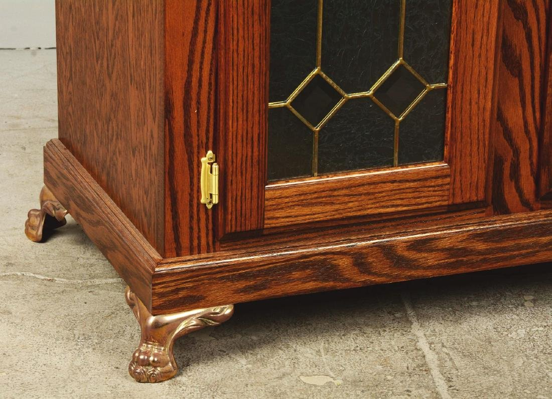 Glass Front Oak Double Slot Machine Stand. - 4