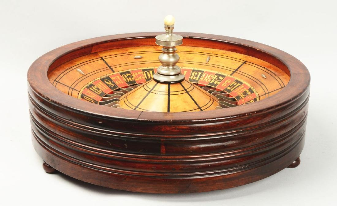 Table Top Mahogany Roulette Wheel. - 3