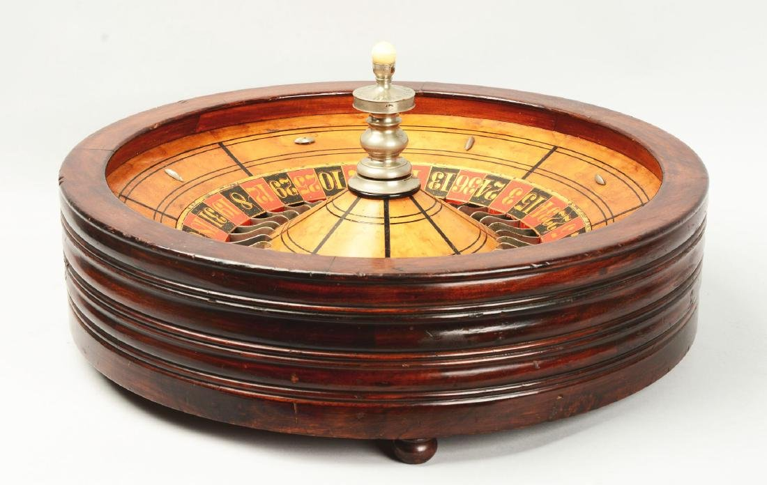 Table Top Mahogany Roulette Wheel. - 4