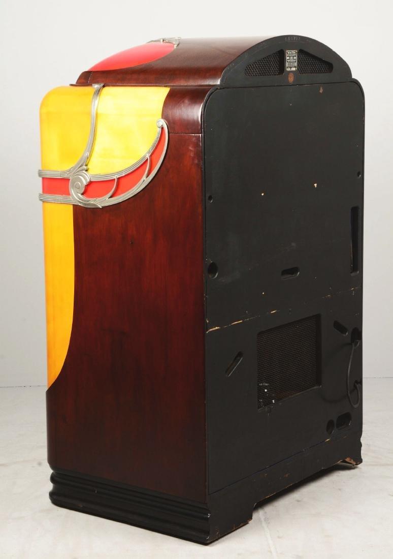 Multi-Coin Wurlitzer Model 800 Phonograph Jukebox. - 3