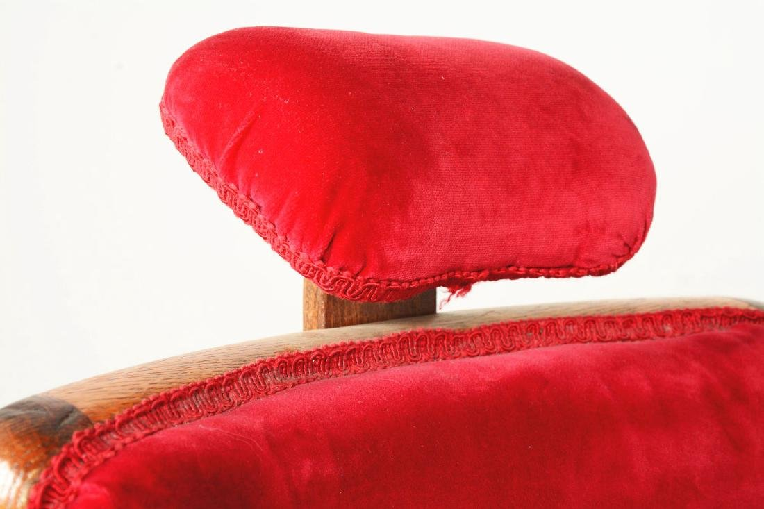 Theo A. Kochs Barber Chair. - 7