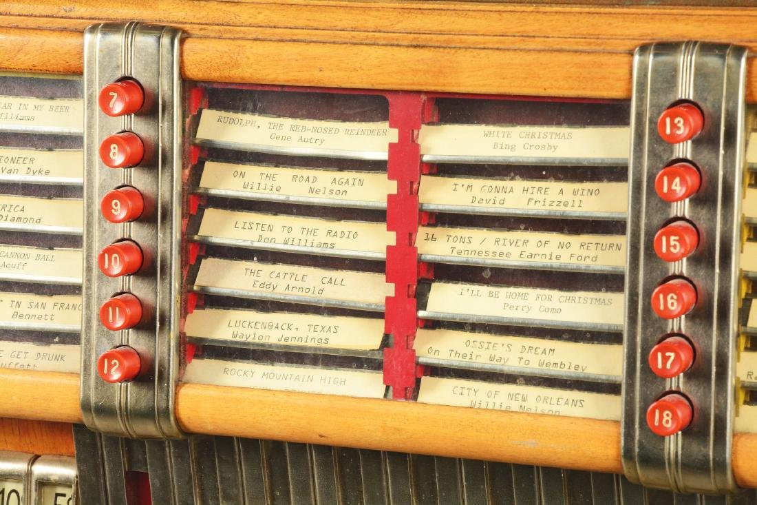 Multi-Coin Wurlitzer Model 1015 Jukebox. - 6