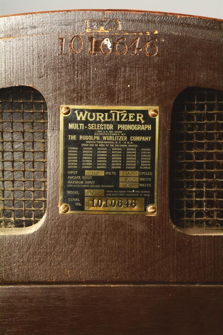 Multi-Coin Wurlitzer Model 1015 Jukebox. - 9
