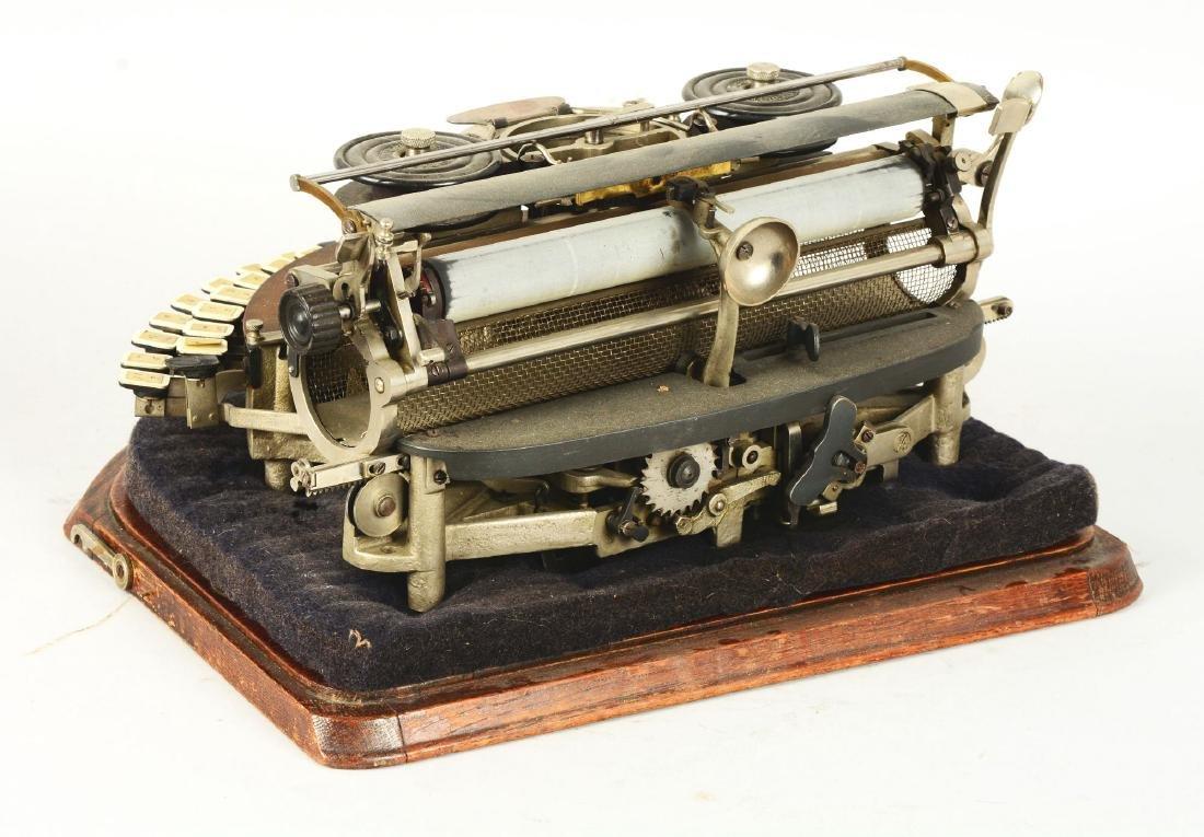 Hammond Multiplex Closed Ideal Typewriter. - 4