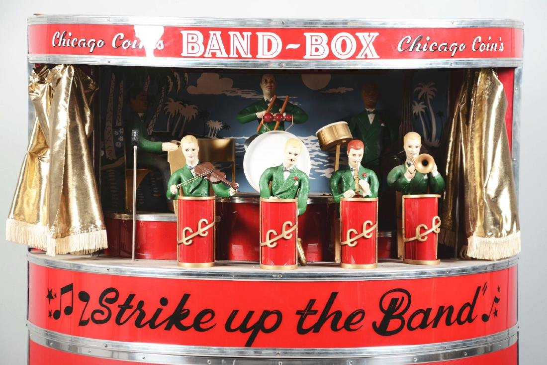 1950's Chicago Coin's Band Box With Stand. - 2