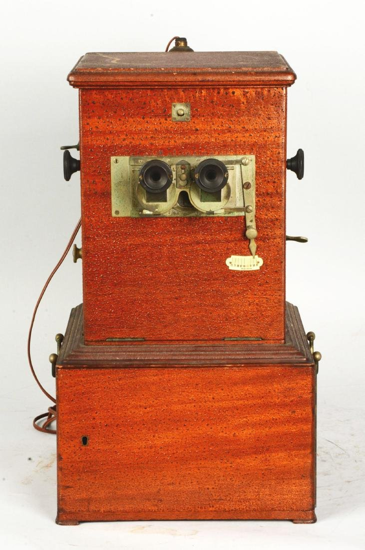 Le Taxiphote Glass Viewer Stereoscope. - 2