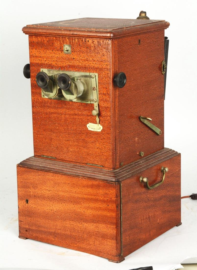 Le Taxiphote Glass Viewer Stereoscope. - 3