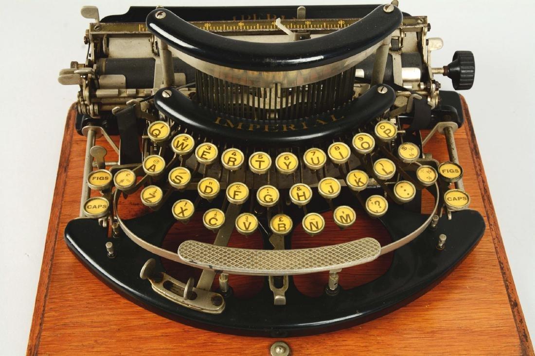 Imperial B Typewriter. - 3