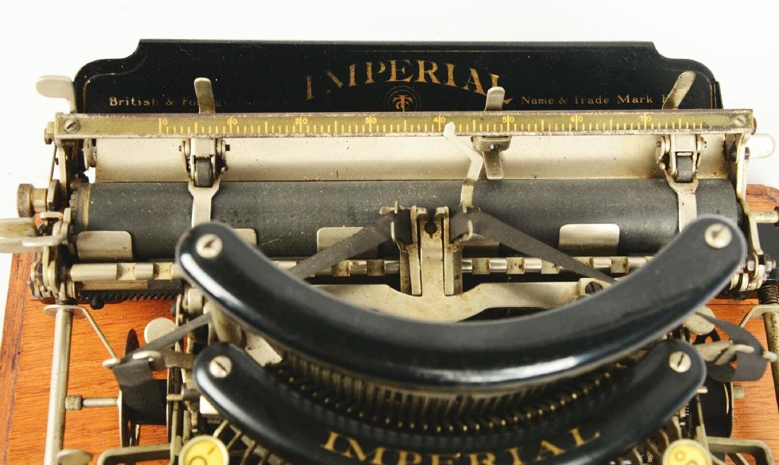 Imperial B Typewriter. - 4