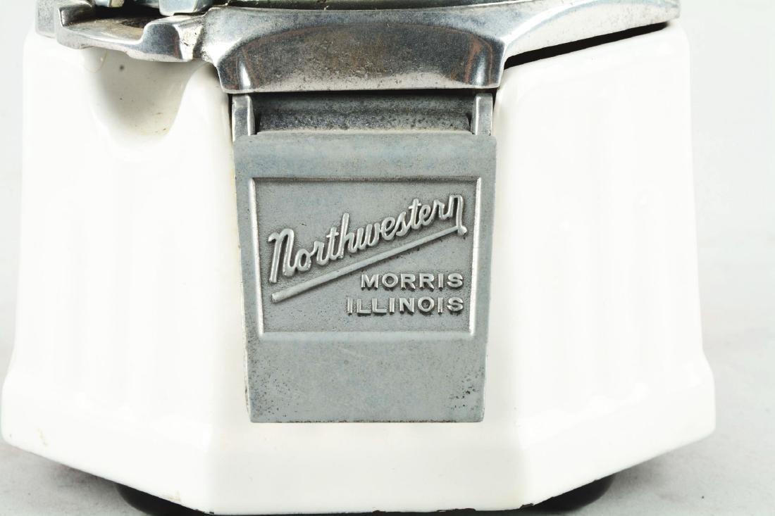 1¢ Northwestern Model 33 Junior Vending Machine. - 4
