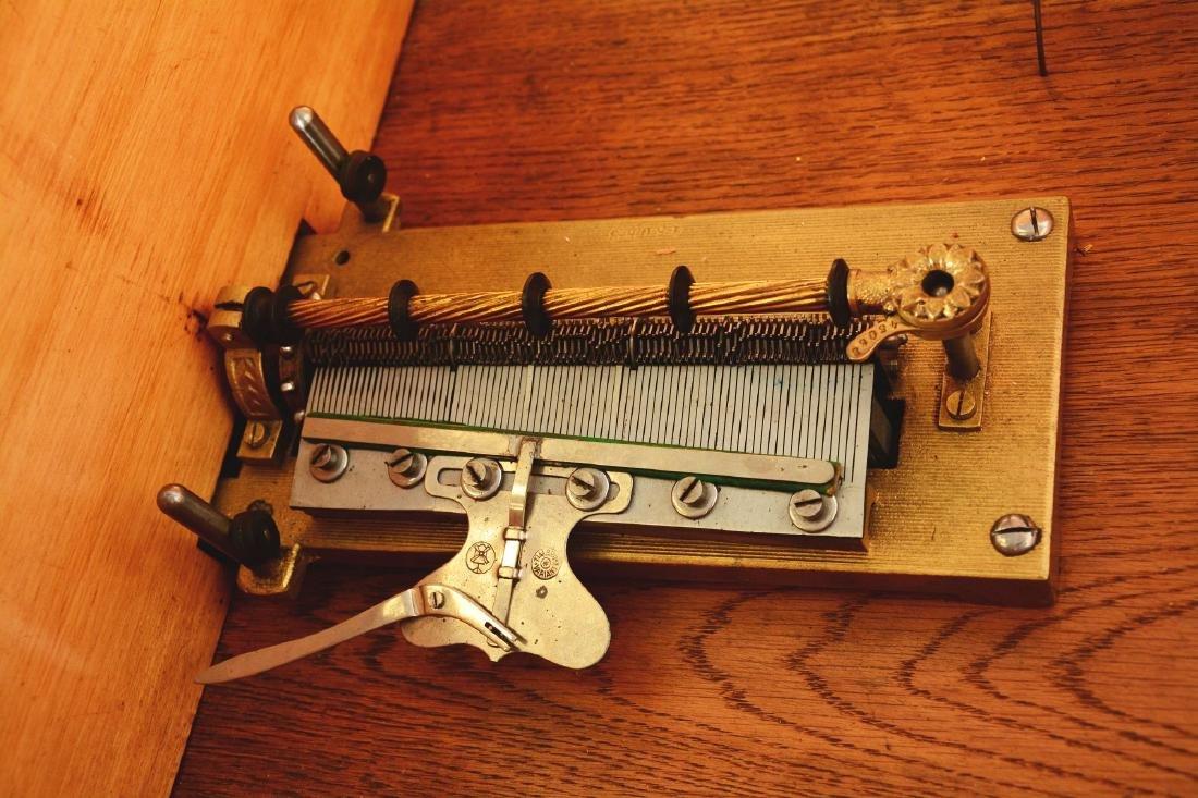 Kalliope Model 107 Music Box. - 8