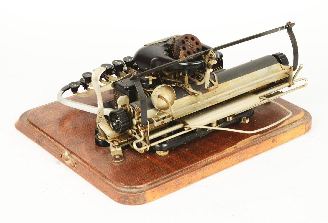 Blickensderfer Model 7 Typewriter. - 4