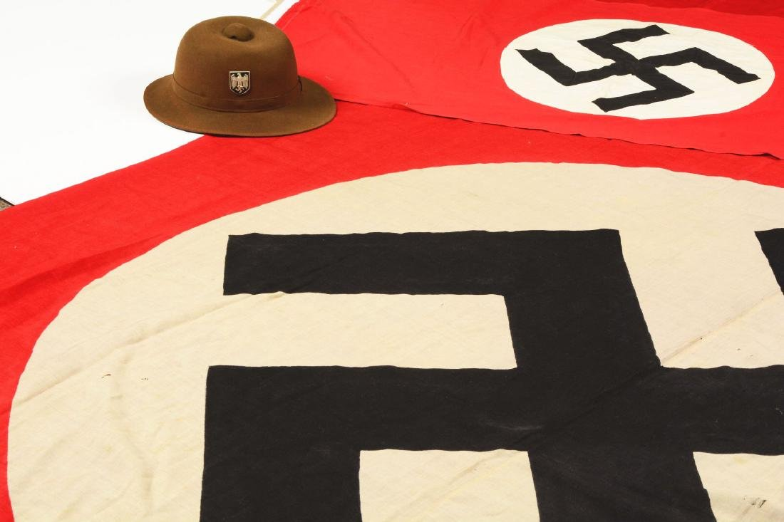 Lot of 2: Nazi Party Flags & DAK Pith Helmet. - 3