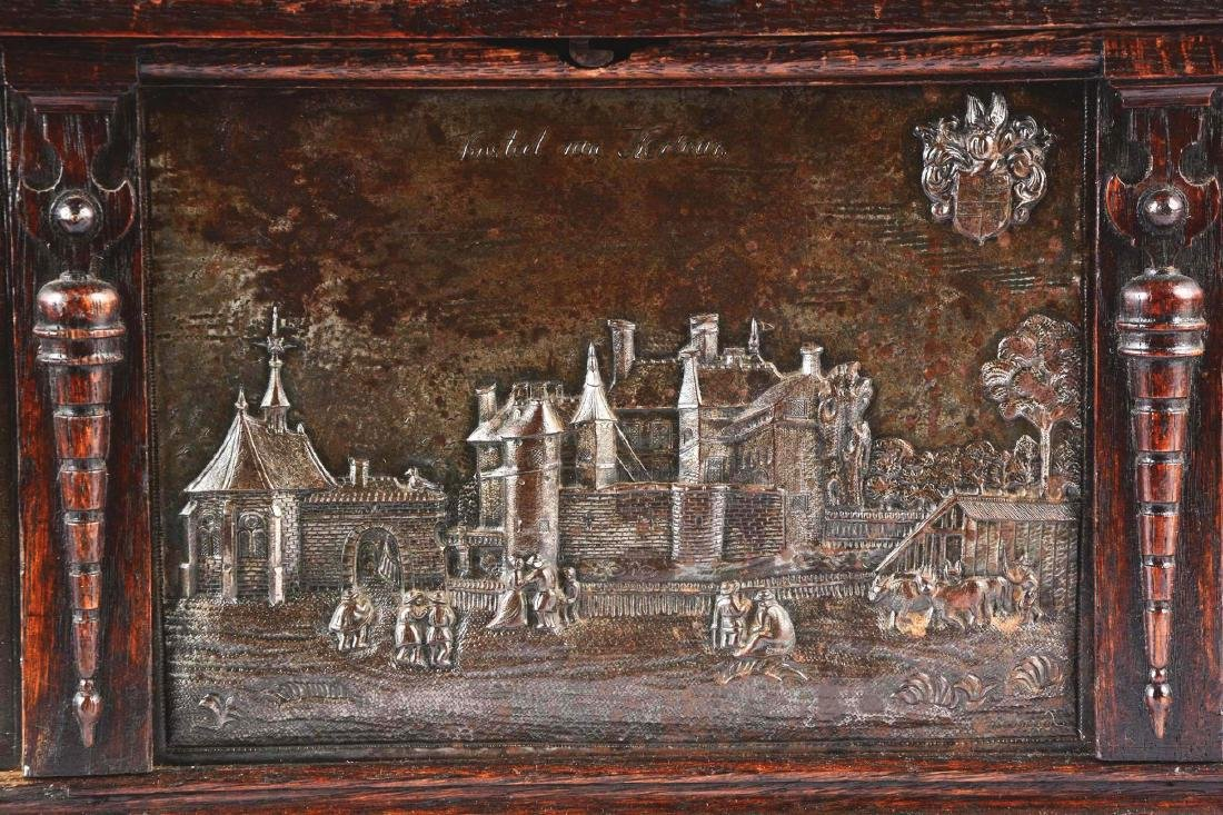 Large Gothic Revival Armorial Coffer Featuring Kasteel - 6