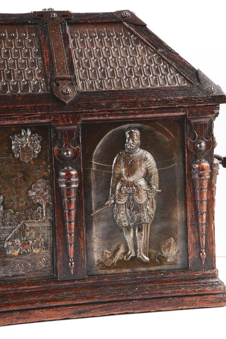 Large Gothic Revival Armorial Coffer Featuring Kasteel - 8